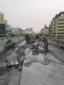 新康高架桥防撞墙切割